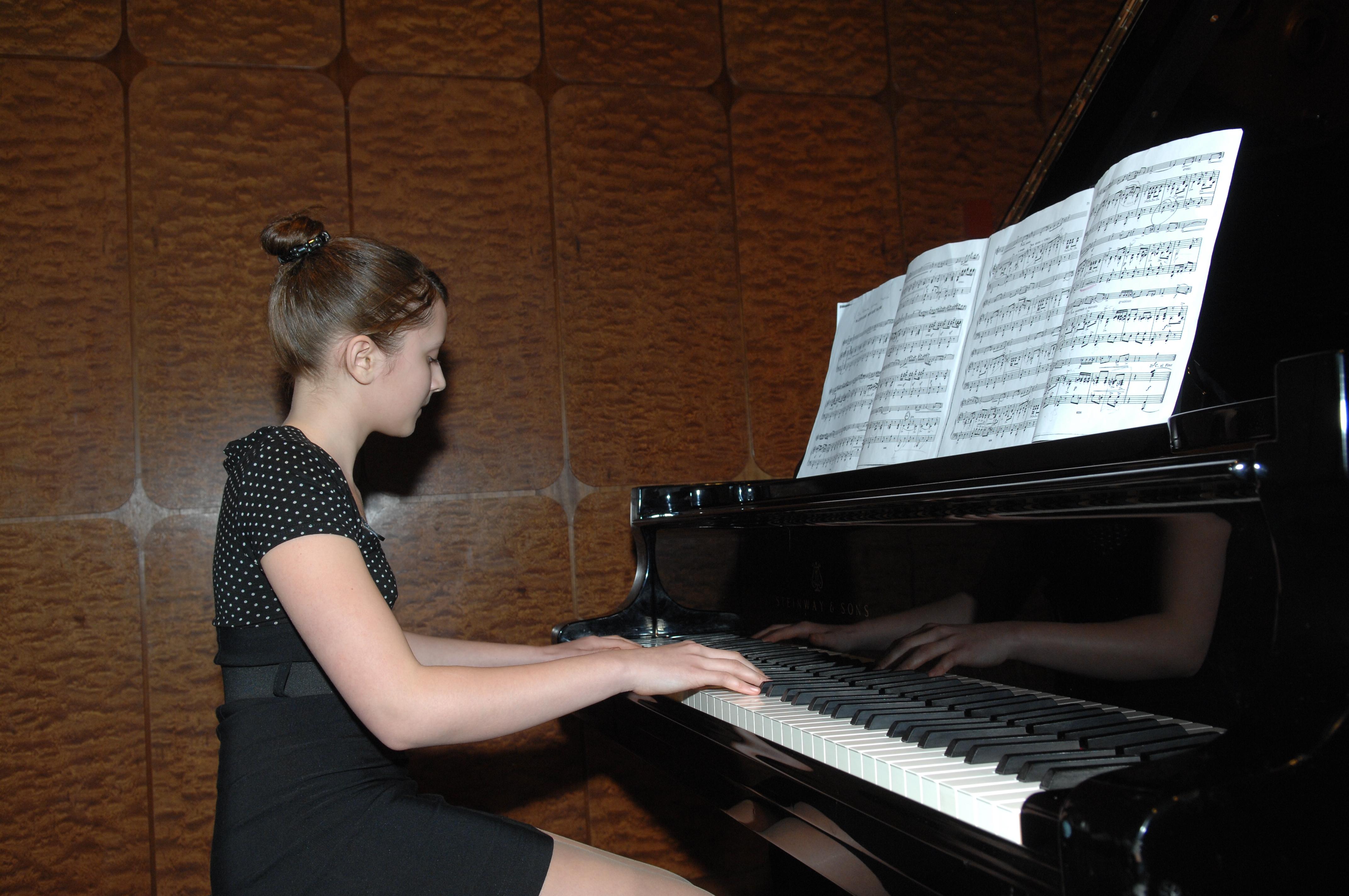 verwandte suchanfragen zu klavier spielen lernen hallo car interior design